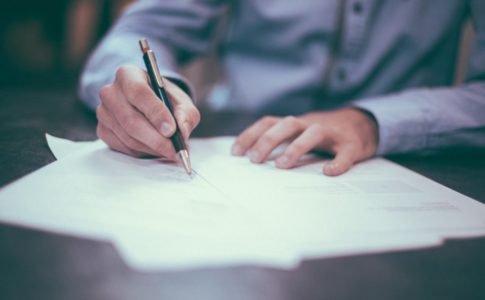 英語ビジネスメールの結び・締めの正しい書き方・例文