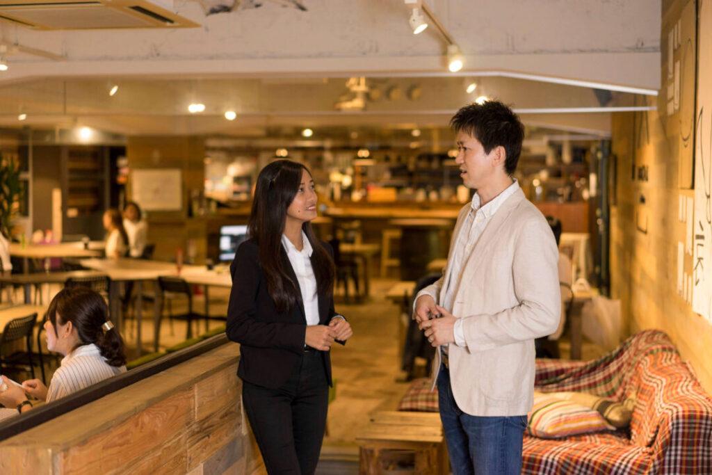 3. 英語指導資格「TESOL」を持つ外国人講師と、日本人トレーナーによるダブルマンツーマンサポート